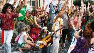 getlinkyoutube.com-Crazy Dancing Goa Hippies from 60s