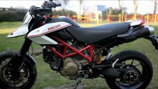getlinkyoutube.com-Aprilia Dorsoduro 1200 vs Ducati Hypermotard 1100 Evo vs KTM 990 SMR