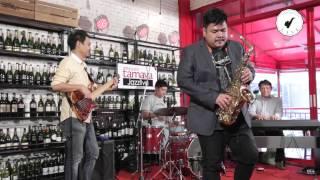 getlinkyoutube.com-Saxsociety Live (Cantaloupe Island ครูแมน With Takeshi Band)