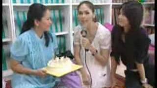 getlinkyoutube.com-Chompoo: Dao Puean Din ดาวเปื้อนดิน News 06