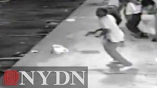 getlinkyoutube.com-Police release video of Tyrone Harris before shooting