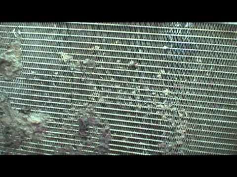 Пример загрязнения радиатора Тахо, это может привести к капитальному ремонту двигателя!