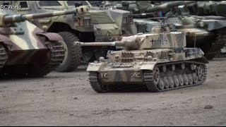 getlinkyoutube.com-RC Tanks Panzer Tiger Leopard Sherman Panther ♦ Erlebniswelt Modellbau Erfurt 2016 Modellbaumesse