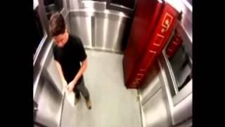 getlinkyoutube.com-Mayat keluar dari peti mati di dalam lift