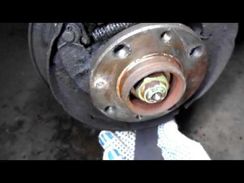 Педаль тормоза иногда бьет в ногу