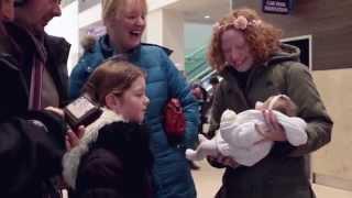 getlinkyoutube.com-People's Reactions to Reborn Doll's In Public - Nikki's Seaside Babies