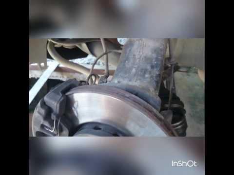 Как снять наружный шрус гранату открутить шаровую ступичный болт ремонт ауди а6 с4