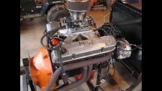getlinkyoutube.com-383 Mopar on a homemade run stand