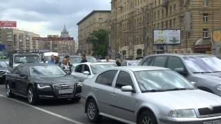 getlinkyoutube.com-Царь Батюшка едет по Кутузовскому, холопы стоят и ждут