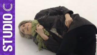 getlinkyoutube.com-Evil Ice Woman Pushes Down Grandma