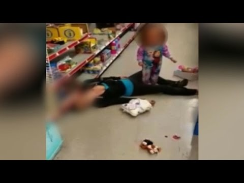 Video shows mom apparently overdose beside toddler