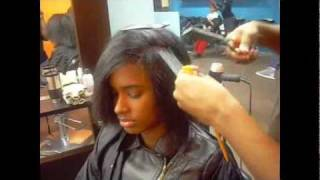 getlinkyoutube.com-Oil free Silk Press demo by Mandrill Hardge, hair extraordinaire