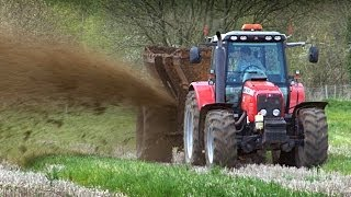 getlinkyoutube.com-Muck Spreading - from 'Out and About on the Farm - Mighty Machines!'