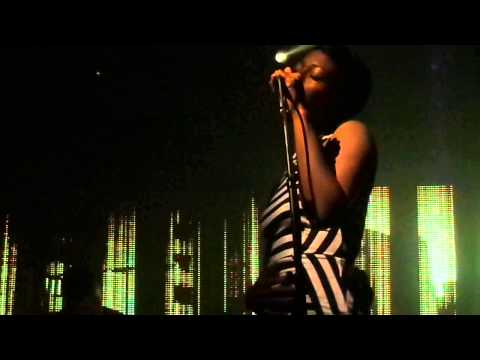 Bonobo  Transits ft. Szjerdene). live @Picture House, Edinburgh