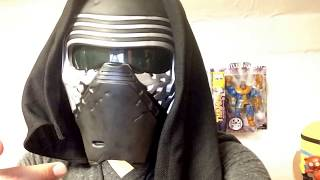 getlinkyoutube.com-Kylo Ren voice changing mask quick review (Star Wars episode 7)