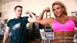 getlinkyoutube.com-Ashley Hromyak Female Bodybuilder Flexing Vs Eagles Fan boy Sean