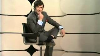 getlinkyoutube.com-Dave Allen at Large S01E03 1971
