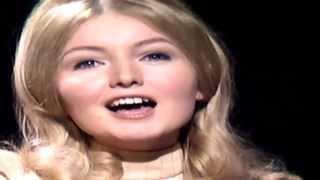 getlinkyoutube.com-Mary Hopkin - Those Were The Days - 1968