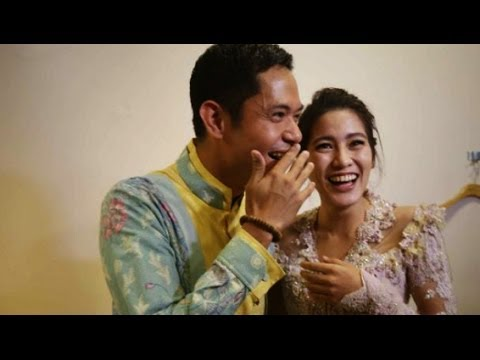 Dude Harlino & Alyssa Soebandono Fitting Baju Pengantin