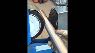 getlinkyoutube.com-GECAM: BELT CENTERLESS GRINDING MACHINE  For round pieces