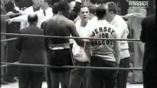 getlinkyoutube.com-Rocky Marciano vs Jersey Joe Walcott, II