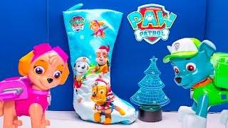 getlinkyoutube.com-PAW PATROL Nickelodeon Paw Patrol Surprise Stocking with Blaze Scooby Doo Candy Toys Video