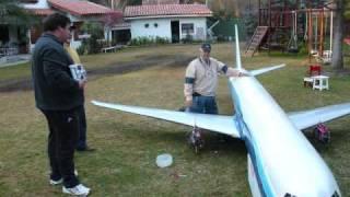 getlinkyoutube.com-Boeing 767 en Escala Radio Control