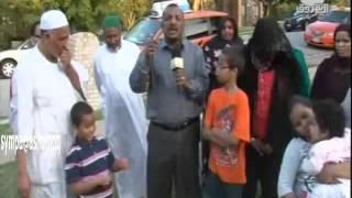الطالب السوداني الأمريكي أحمد محمد الحسن مع والده في أول ظهور تلفزيوني من تكساس عام 2012