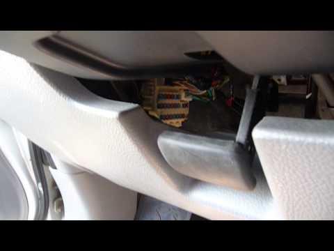 Как легко поменять предохранители на Suzuki SX4