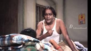 getlinkyoutube.com-Mullum Malarum - Vennira Aadai Moorthy's illicit affair