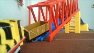 getlinkyoutube.com-Thomas & his Friends - Accidents Happen