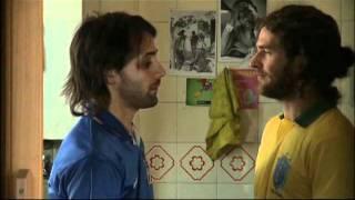 getlinkyoutube.com-El Beso...¡Amor chabón! ( ¡Muy divertido!.:-))