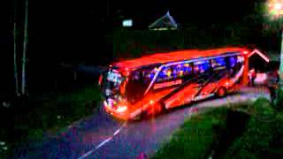 "getlinkyoutube.com-Telolet Bus ""Agam Tungga Jaya "" {Amora-Vellago]"
