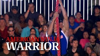 getlinkyoutube.com-Travis Rosen at Stage 4 of American Ninja Warrior USA vs. The World 2014 | American Ninja Warrior