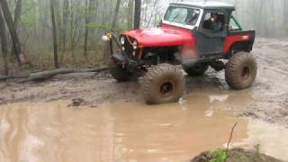 Jeep CJ-7 Ripping through DEEP Mud!