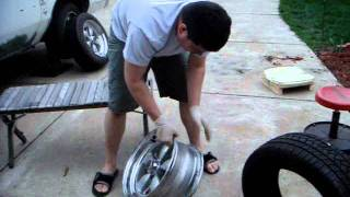 getlinkyoutube.com-HOW 2 INSTALL A TIRE ON A RIM WITH NO MACHINE - DO IT YOURSELF - Filmed BY DJRED WHITE