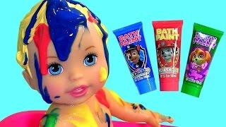 getlinkyoutube.com-Boneca Little Mommy Hora do Banho do Bebê no Banheirinho -  Muñeca Baño & Fiesta