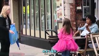 getlinkyoutube.com-在街上看到保母虐待小女孩 你會怎麼做 ? (V1)