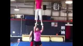 getlinkyoutube.com-More girls lifting girls overhead