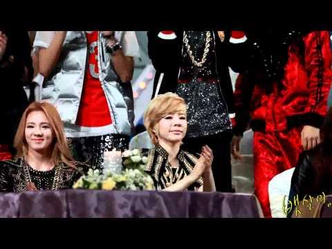 [Fancam]111229 Sunny&Hyoyeon Hands up[sosion]