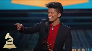 getlinkyoutube.com-Bruno Mars Wins Best Pop Vocal Album for Unorthodox Jukebox | GRAMMYs