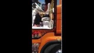 getlinkyoutube.com-antonella la sirenetta al weekend del camionista 2013