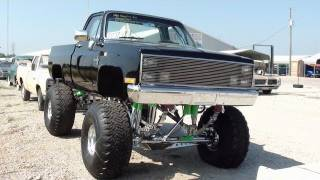 getlinkyoutube.com-Huge 1986 Chevy C10 4x4 Monster Truck - All Chrome Suspension - 383 Stroker
