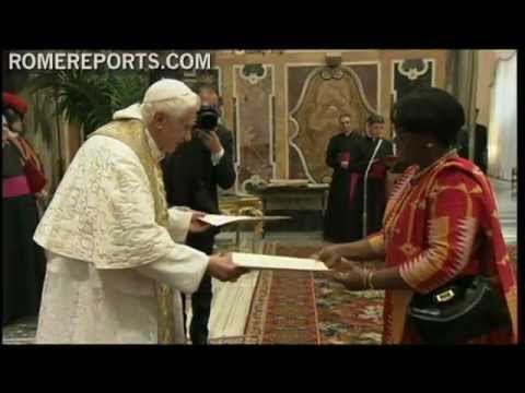 Benedict XVI receives letters of credence from 6 countries