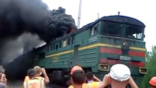getlinkyoutube.com-Russian train black smoke. Epic video