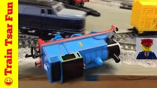 getlinkyoutube.com-Thomas the Tank Engine Train Crashes and Accidents Compilation 2