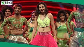 Rakul Preet Singh Dance Performance At Filmfare Awards South 2016 - Filmyfocus.com