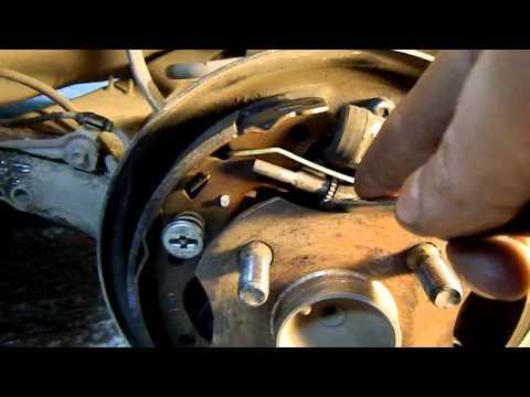 Регулировка ручного тормоза на Toyota Funcargo