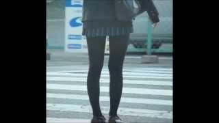 getlinkyoutube.com-可愛いギャルの黒ストッキングと足のラインが美しい♪