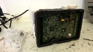 getlinkyoutube.com-How to fix newer Volvo ABS module
